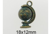 https://eurobeads.eu/48873-jqzoom_default/rotative-earth-globe-pendant.jpg